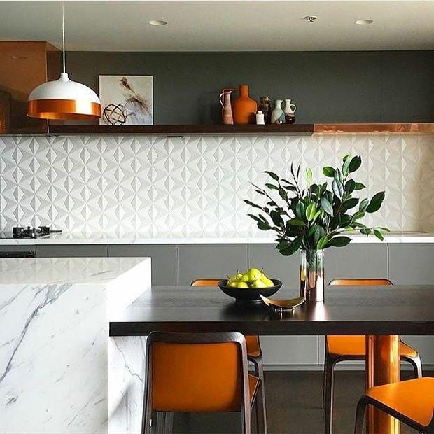 Décor do dia: cozinha cinza, laranja e cobre
