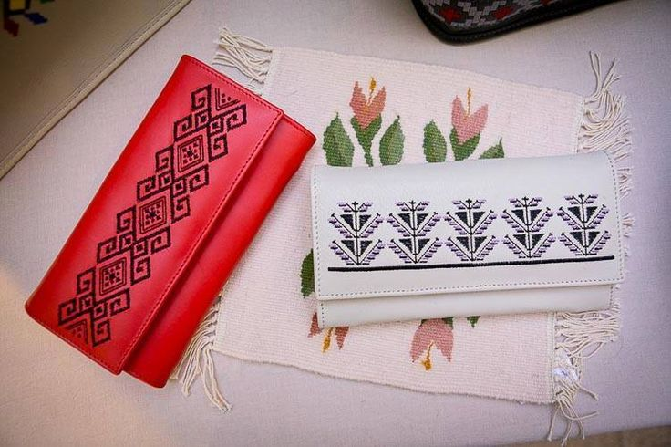 #iutta #wallet #dorderomanesc #traditonal #leather #embroidery #motif  #iuttabags #red #white #longing #romania #folklore #folkart #art