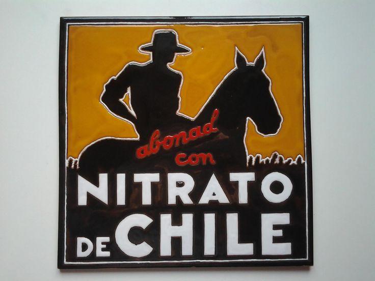 Reproducción en azulejo de 30x30cm el logo de Nitrato de Chile. Bonito cartel publicitario de abono, muy frecuente en pueblos y carreteras hasta los años 80.