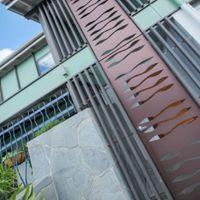 Urban Metal : Entry Gates + Fixed Panel Design : Custom designed for Bauhinia Architects Material : Powder coated aluminium