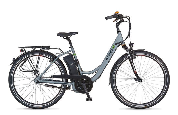 Das NAVIGATOR 7.7 – Konzipiert, konstruiert und produziert für alle, die mühelos und nachhaltig durch die City fahren möchten, ist das PROPHETE NAVIGATOR 7.7: Ein E-Bike, das komfortabel und kraftvoll zugleich ist. Möglich macht das vor allem der leise, im Rahmen integrierte 36 Volt AEG EcoDrive C Mittelmotor mit Rücktritt, der mit einem Drehmoment von 50 Nm für ein harmonisches wie kraftvolles Fahrverhalten sorgt. #prophete #keepmoving #ebike