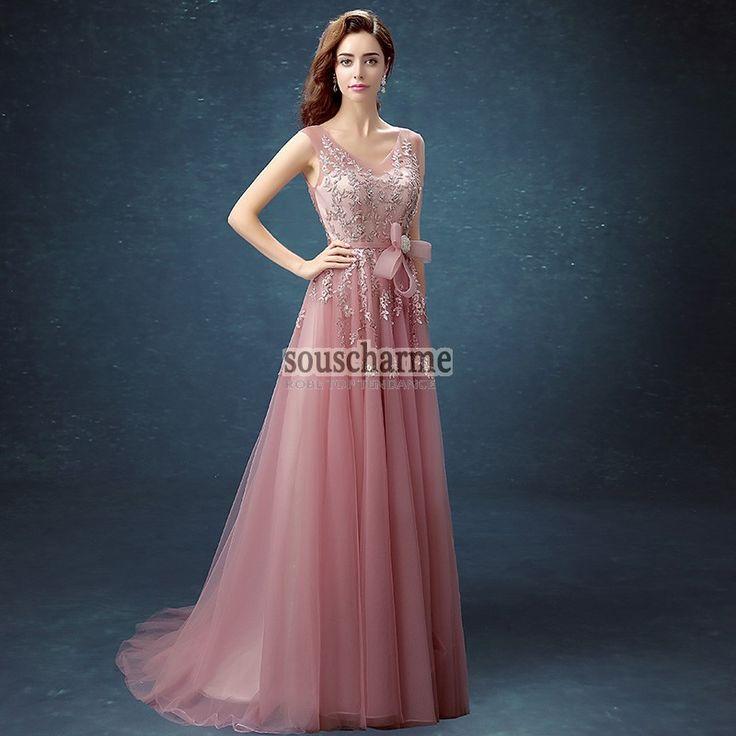 Robe de soirée longue pas cher en tulle rose vaporeuse rehaussé de broderie délicate aux strass