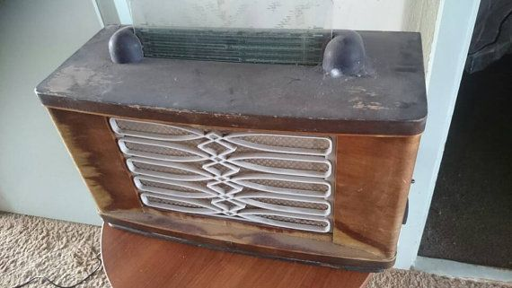Bekijk dit items in mijn Etsy shop https://www.etsy.com/nl/listing/285436599/vintage-tube-radio-made-by-philips
