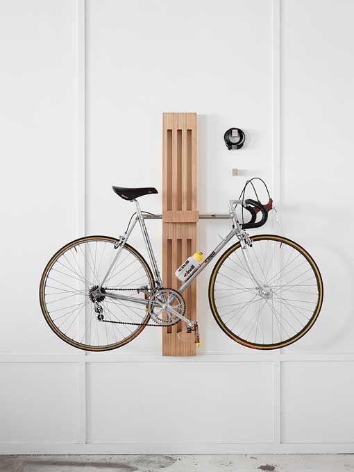 Soportes de pared para colgar bicicletas: escultura de madera