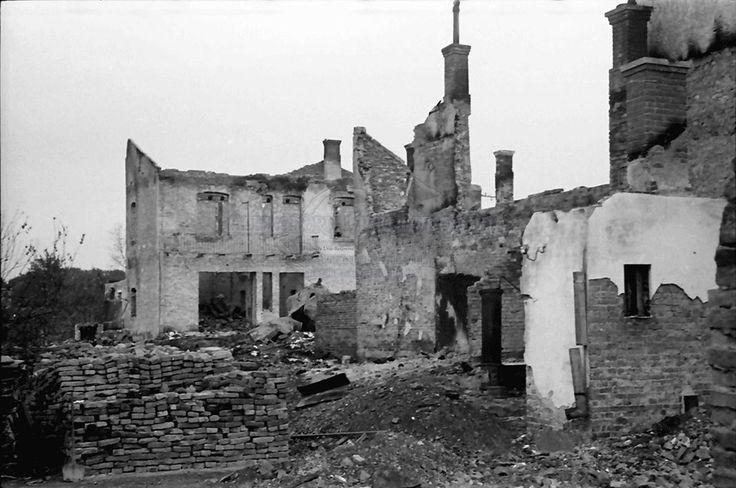 B66.Storojinet.Flondoreni.OrasulStorojinet.Ruinen.24. Juli 1941.Fotograf Willy Pragher