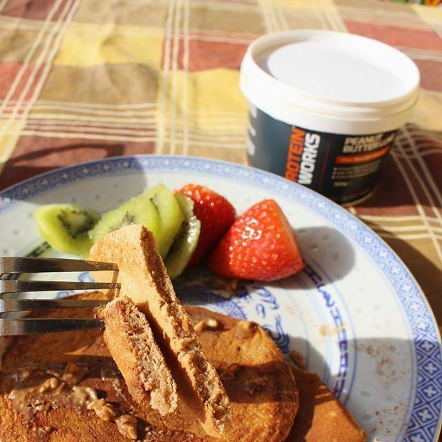 Aquele pequeno almoço de sábado cm @mws.pt #breakfast #pornfood #food #fitness #fitness_portugal #instafit #delicious #be_fit_in_portugal #fitnesspt #gymlife #motivation #pancakes  #maisfitnessportugal ( # @aurelienkmota)