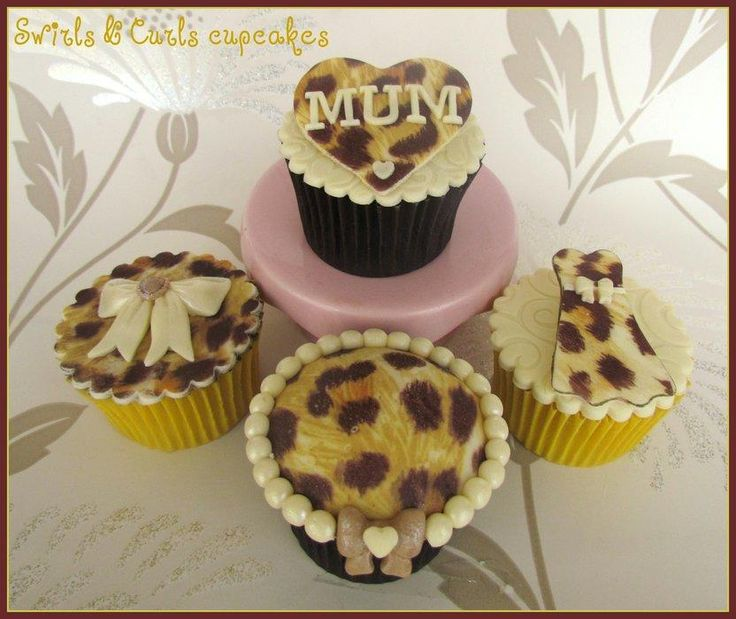 Leopard+print+cupcakes+-+Cake+by+SwirlsAndCurls