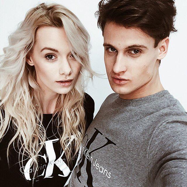 Pozdrowienia od naszych modeli @jasiocek i @kowalski_samuel w klasykach od @calvinklein ✌️ #answear #photoshoot #backstage #selfie #topmodel @topmodelpolska #polishgirl #polishboy #model #polishmodel