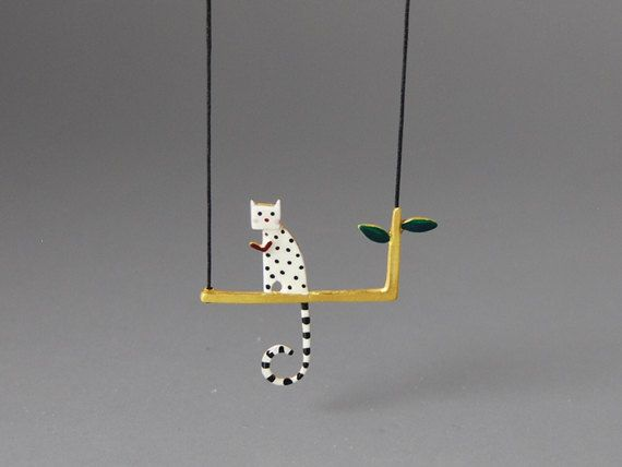 Lovecat Pendant Sterling Silver Gold Plated by kissthefrogstudio, €47.50 Omg this is adorable.