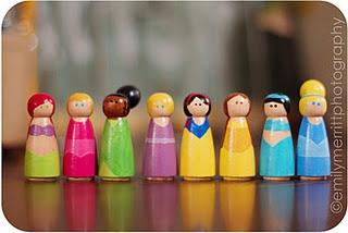 princess peg people: Dolls Houses, Peg People, Gifts Ideas, Cute Ideas, Kids Crafts, Peg Dolls, People Houses, Crafty Crafts, Princesses Peg