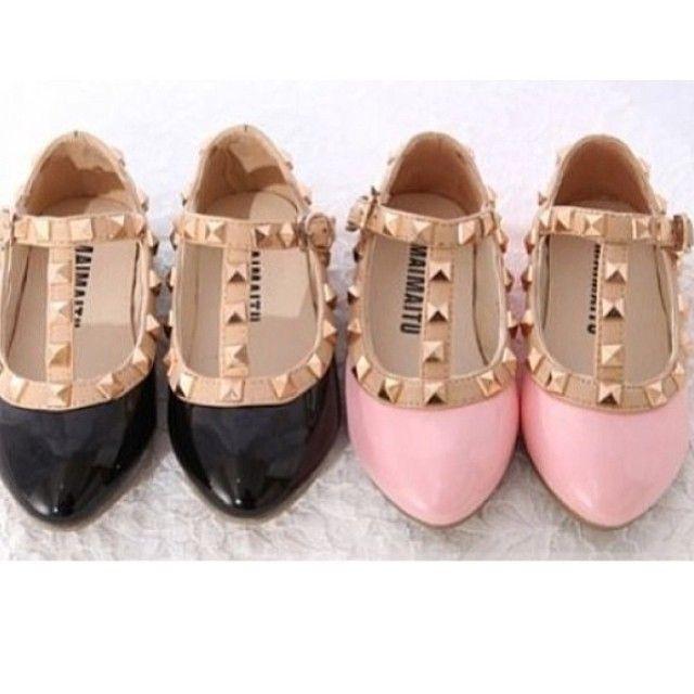 OMG, @nhschmidt, @ChelsieHayden , @sashaandrews87 the little girls all NEED these!!!!