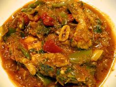Chicken Jalfarezi recipe. Chicken curry with fresh tomato, butter and a blend of spices. Recipe that you will love to cook due to its easy way. Posted by Komal Baji.