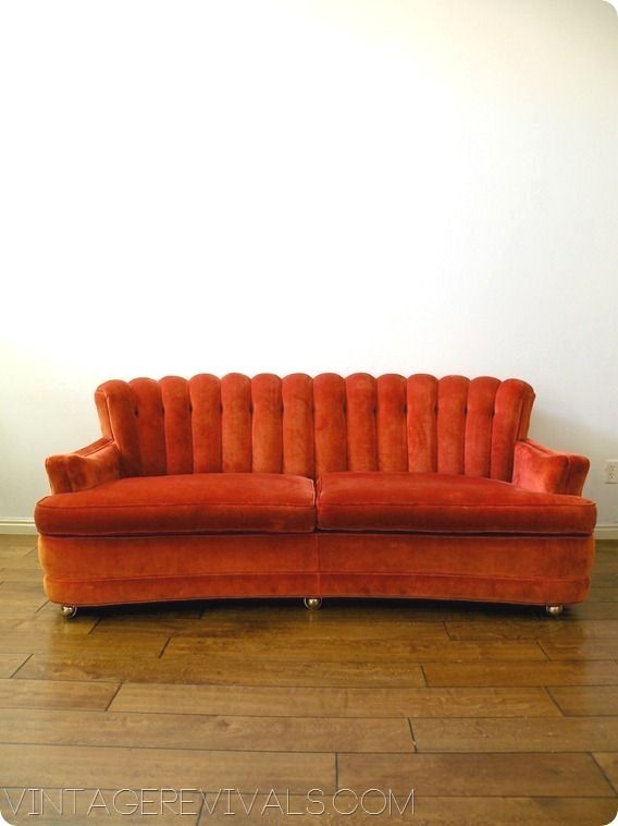 Pin By Emily Weaver On Future Living Retro Couch Vintage Couch