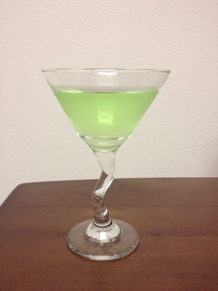 How to Make an Apple Martini (Appletini)
