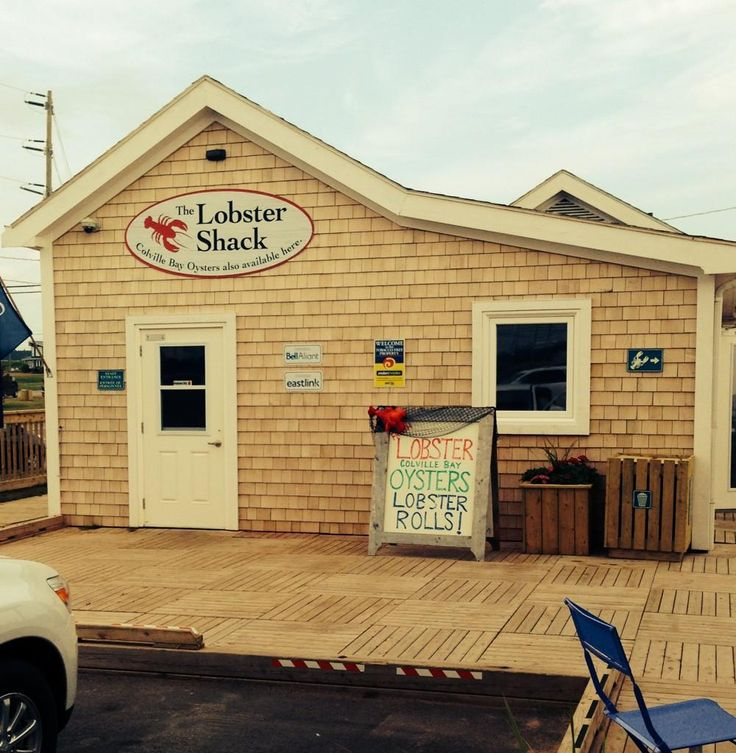 #PEIFavourites> Stop by #TheLobsterShack is you happen to be visiting Souris, PE> #ColvilleBayOysters #LobsterRolls