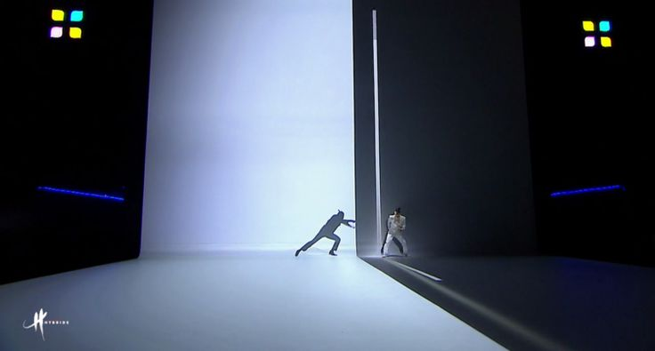 man-battles-his-own-shadow-in-projection-mapped-fight-choreography