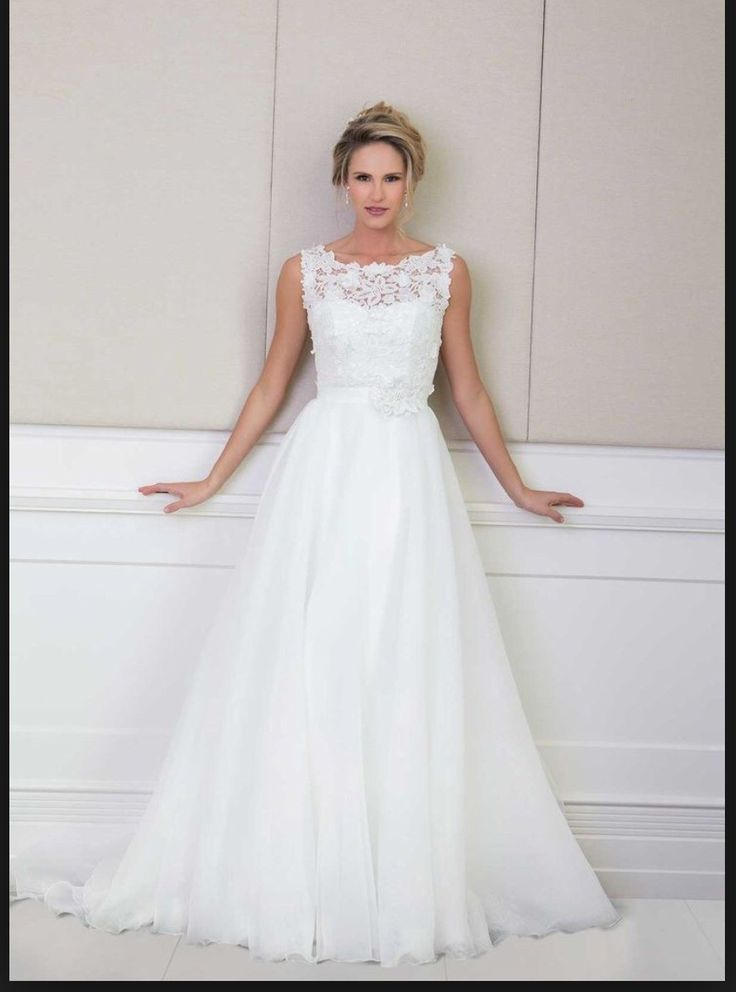 This beautiful dress is a Wendy Makin Santina wedding gown which was purchased in April 2014 from Bride on Collins, Melbourne, and worn once.   You...