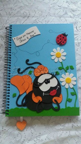 Caderno smilinguido decorado em eva
