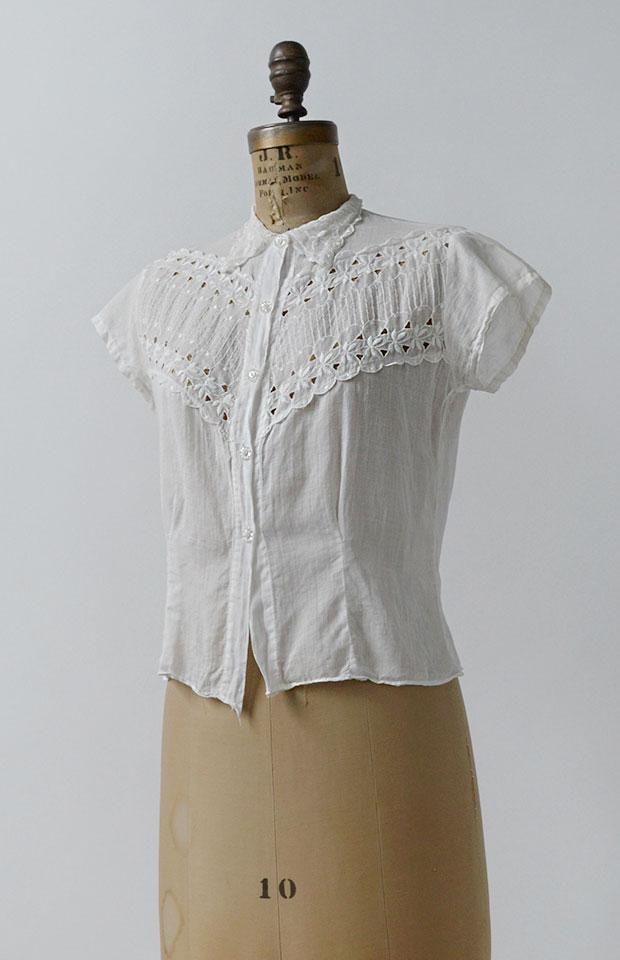751bd1b253ce51 Vintage 1940s Blouse   Vintage 40s Cotton Blouse   True Heart Blouse White  Cotton Blouse