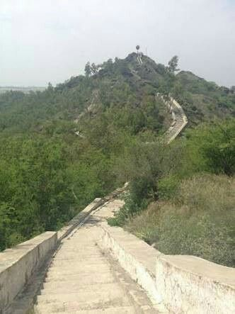 Ratti Jinnah Hill Park is one the best parks near Attock City located in Kamra Kalan, Pakistan.