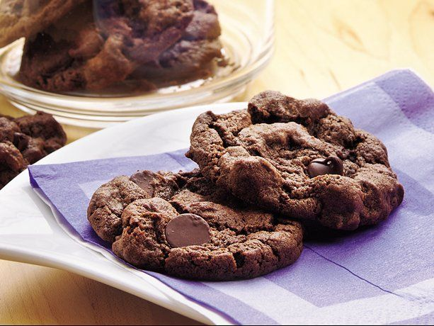 Double-Chocolate Chip Cookies: Desserts, Chocolate Chips, Chocolates Chips Cookies, Daily Chocolates, Chocolates Cookies, Cookies Recipe, Chocolate Chip Cookies, Delicious Cookies, Double Chocolates Chips