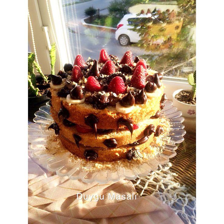 Hımm nefis bir naked cake  #nakedcake #pasta #butikpasta #sekerhamuru #edirne #edirnepasta #edirnebutikpasta #ciplakpasta #çıplakpasta #cilek #muz #çikolata #kek #ganaj #pastacıkreması www.duygumasali.com