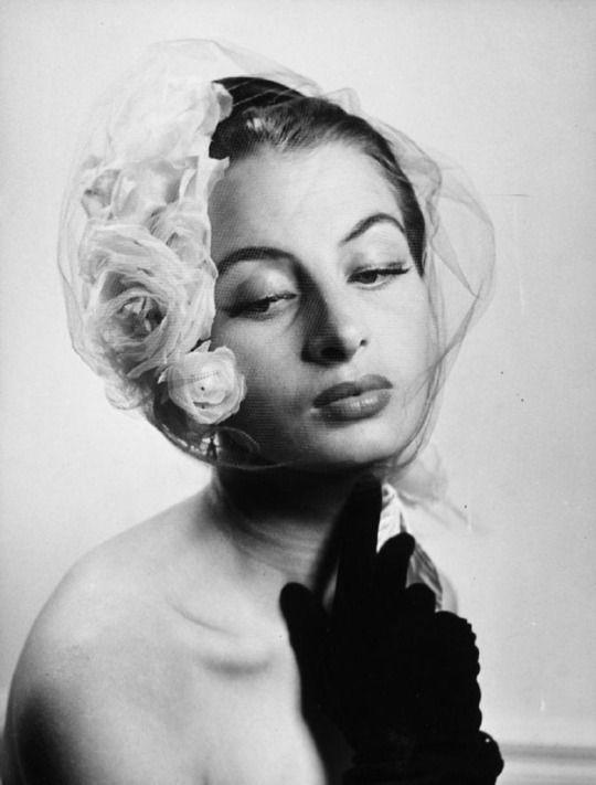 Capucine in Jean Barthet, Hat, photographed by Willy Maywald, 1950s