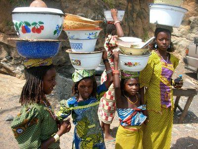 Afrika InTouch - Volontør i Afrika! / Vi gør / Volontør / Information / Hvem er Afrika InTouch?