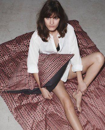 Beautiful duvet cover Faded Dots (desert sand) fra Danish textile designer YAI YAI - GOTS certified/organic.
