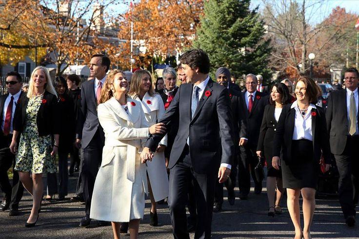 Justin Trudeau elegeu como ministra da Justiça Jody Wilson-Raybould, uma indígena canadense que chefiou as Primeiras Nações da Columbia Britânica.