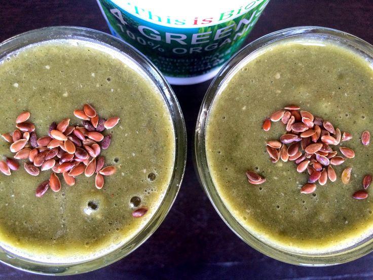 Zielone koktajle: nerkowce + mango + banan + siemię + zielonki 4w1