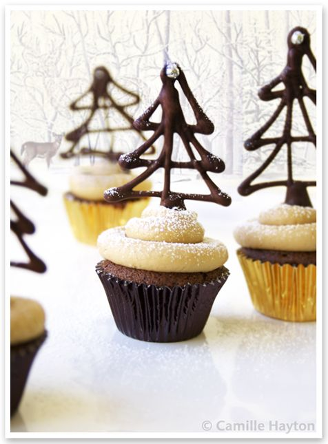 Get the instructions to make these fabulous Chocolate Christmas Trees for decorating cupcakes at ThatCupcakeSite.com!  Go now!