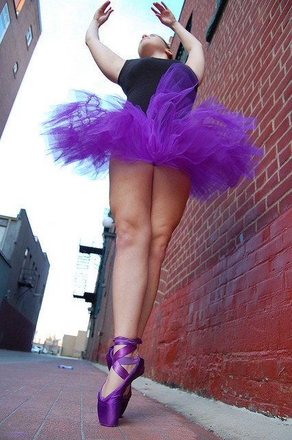 I want purple pointe shoes!