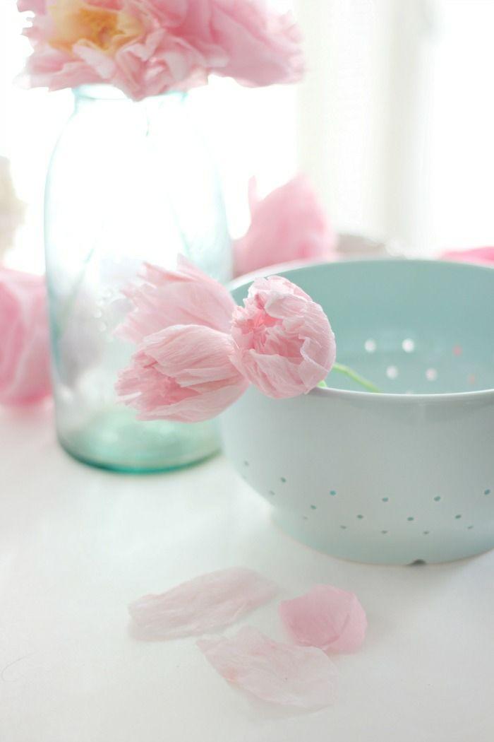 Une fleur en papier crépon idée originale