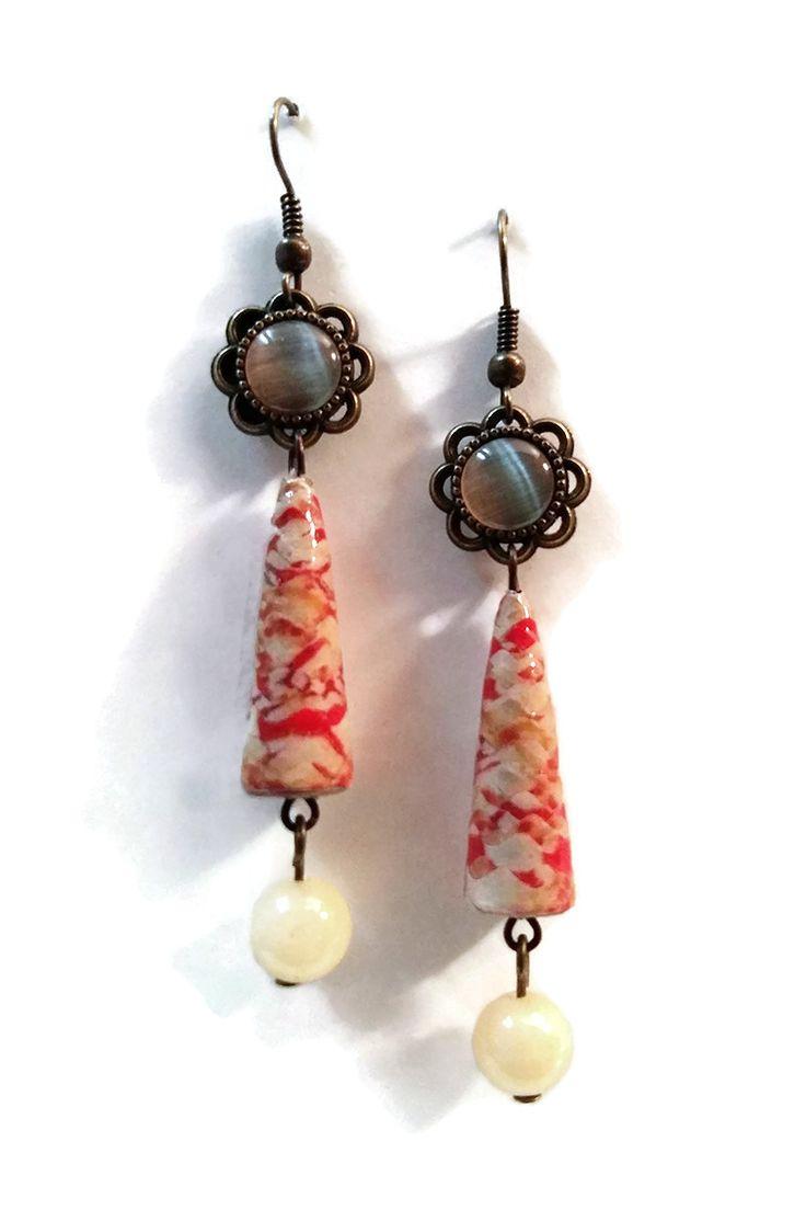 Boucles d'oreilles Pierre Naturelle Pendantes - Perles en papier - Cabochon - Blanc cassé - Rouge : Boucles d'oreille par cap-and-pap