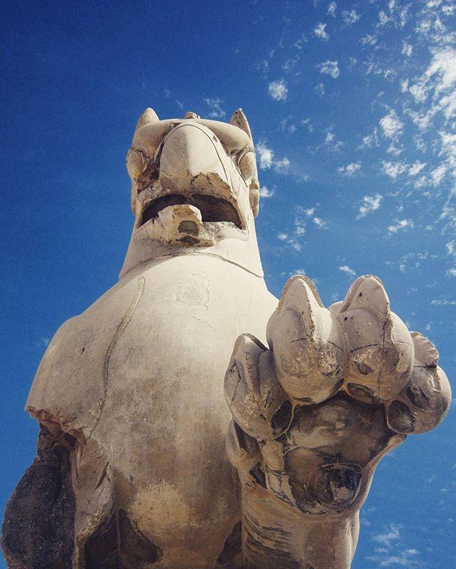 | P a r s e | #perspolis #Persepolis  #iran #Shiraz #pars #history #HistoryOfIran #historicalsite #huge #architecture #niceview #nice #building #historical #gate #stone #fineart #photograph #photography #photo #artphoto #me #Instagram #iranianart #iranian