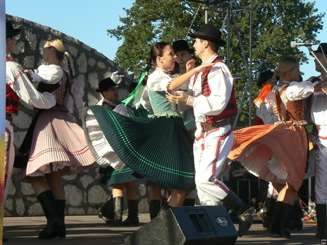 Slovak folk ensemble Čarnica http://www.carnica.sk/galery1.html