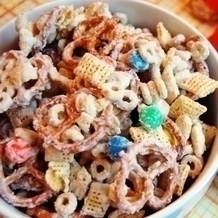 White Chocolate Chex Mix Recipe. Would be great for a school snack . Delicious !