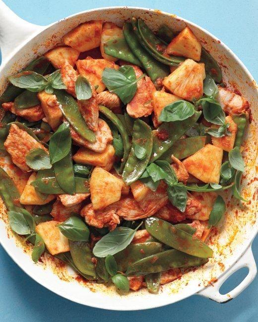 Red-Curry Chicken Stir-Fry Recipe: Chicken Recipes, Chicken Stir Fries, Chicken Stirfri, Red Curry Chicken, Red Curries Chicken, Chicken Stir Fry, Cooking, Stir Fries Recipes, Martha Stewart