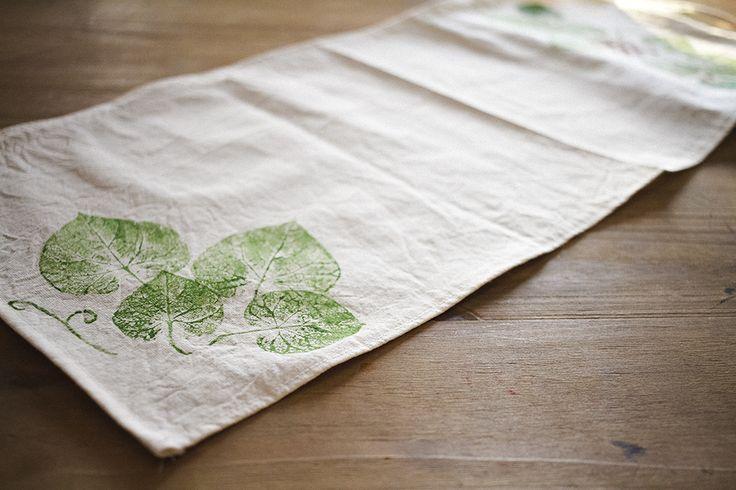 Caminos de mesa o manteles pintados a mano con pintura - Manteles de tela ...