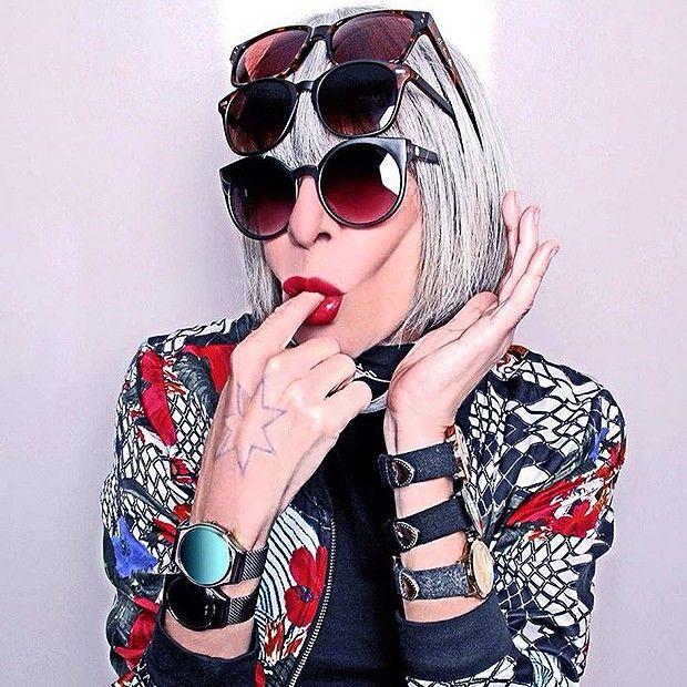 """Rita Lee: """"A primeira coisa que faço quando acordo é colocar meus óculos (Foto: Divulgação / Chilli Beans)"""