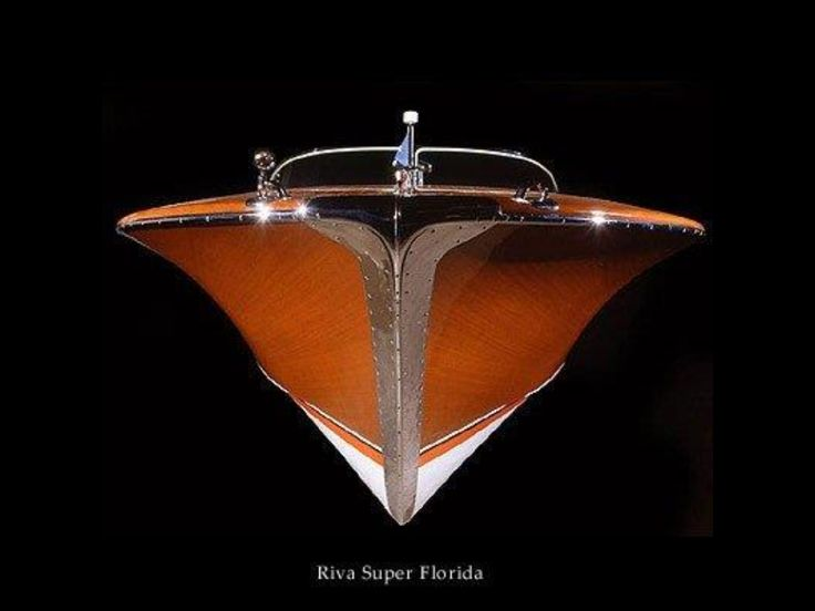 Riva sure knows how to make boats that looks soooo great…                                                                                                                                                                                 Plus