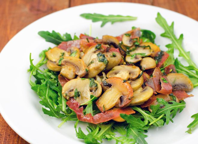 Вкуснейший салат с грибами   Ссылка на рецепт - https://recase.org/vkusnejshij-salat-s-gribami/  #Салаты #блюдо #кухня #пища #рецепты #кулинария #еда #блюда #food #cook