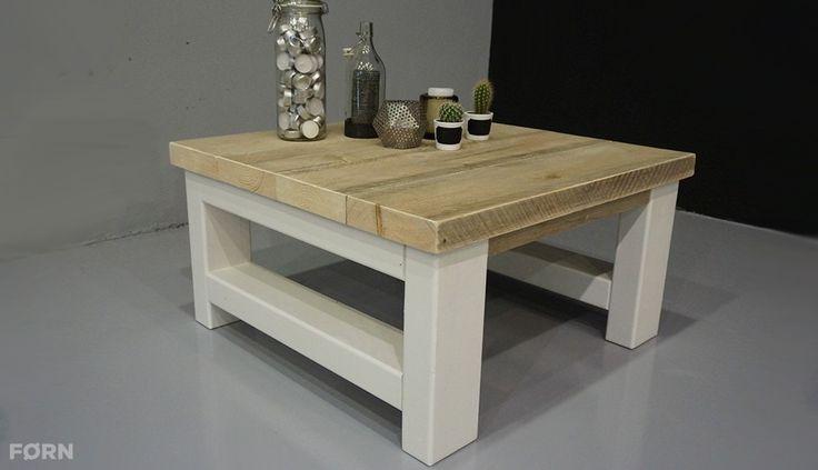 Landelijk of toch modern? Stoere salontafel van extra dikke steigerplanken.