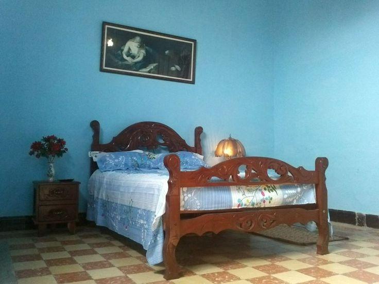 Casa Bella Colonial  Owner:                     Leonardo Leyva Ruiz  City:                        Cienfuegos  Licence nr:               520  Address:                  Calle 37 # 5603 % Ave 56 y 58