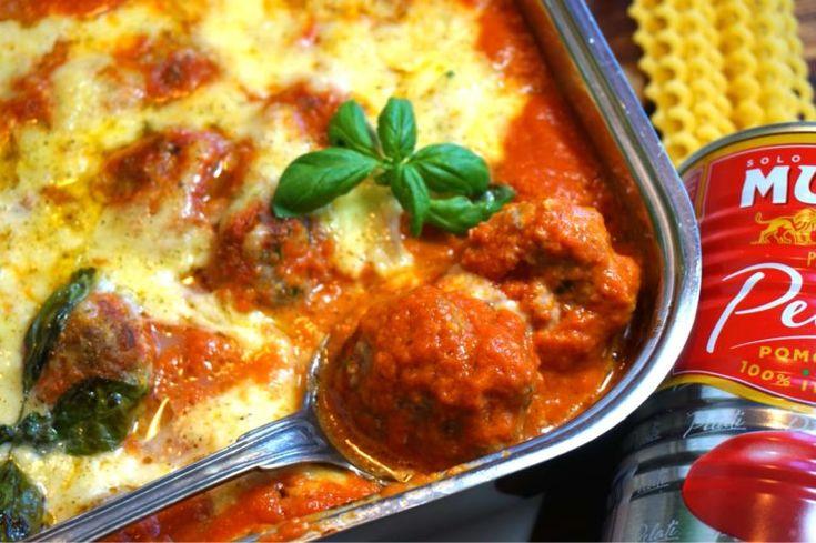 Italienska köttbullar med tomatsås och mozzarella