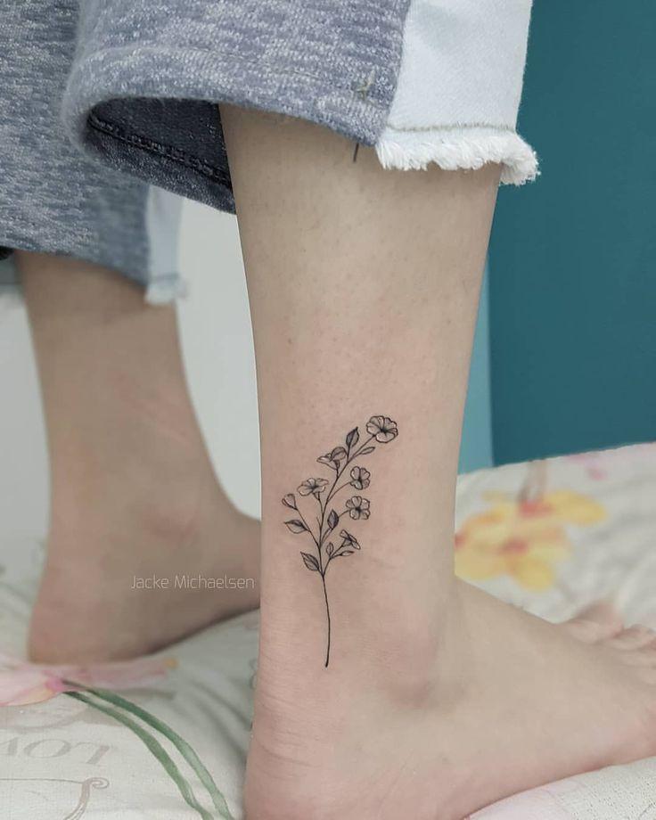 Petunias Tattoo Petunias Tattoo Petunien Tatowierung Tatouage De Petunias Tatuaje De Petunias Petunias In Pots In 2020 Petunia Tattoo Petunia Flower Petunias