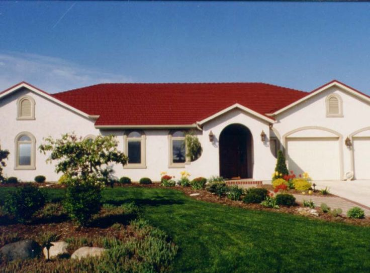 Best Red Metal Roof Houses Red Roof Shingles Classic Metal 400 x 300