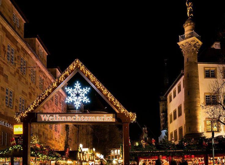 Eingang zum Stuttgarter Weihnachtsmarkt . #weihnachtsmarkt  #stuttgart  #stuggi #stuggipics #stuttgartlove #stuttgartcity #stuggiliebe #stgt  #0711 #nullsiebenelf  #0711stuttgart  #igersstuttgart #stuttgartgram  #visitstuttgart  #enjoystuttgart #lovestuttgart #kessel #kesselliebe #germany #deutschland  #city #cityscene #citybestpics #chrismas #xmas #christmasmarket #weihnachtsmarktstuttgart #stuttgartweihnachtsmarkt