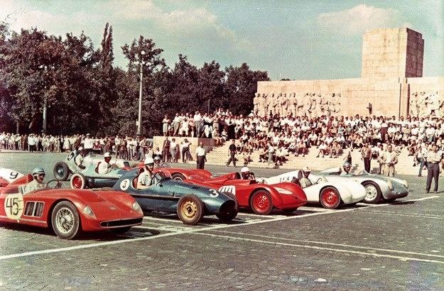 1958 City park - car race